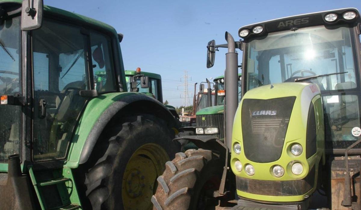 """""""Επιστρατεύονται"""" άνεργοι για τις αγροτικές εργασίες"""