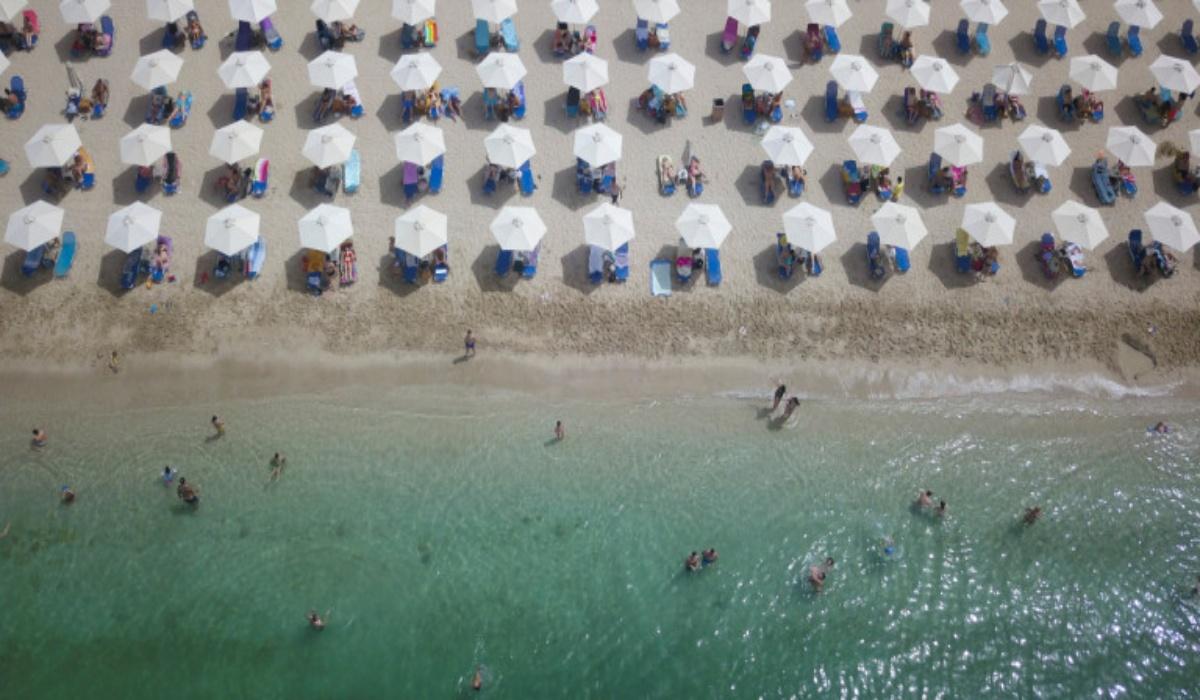 Guardian για τον ευρωπαϊκό τουρισμό: «Η Ελλάδα έτοιμη να κεφαλαιοποιήσει την επιτυχημένη διαχείριση της πανδημίας»