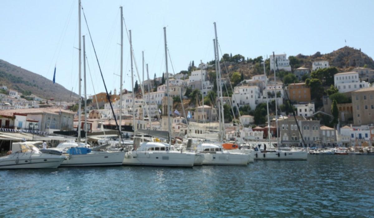Συνεργασία ελληνικών και κυπριακών τουριστικών γραφείων για δημιουργία τουριστικών «πακέτων»